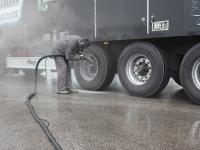 AS Linter Transport rekkade velgede puhastamine klaasipuruga, foto Arved Ant, www.amyart.ee