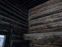 Palkmaja seinte puhastamine soodapristiga