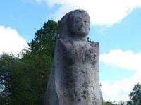 Muruneitsi ja teised skulptuurid enne puhastamist, foto SodaBlastBaltic