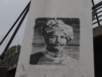 Vabadusillal Tartus leiab omanäolist grafitit